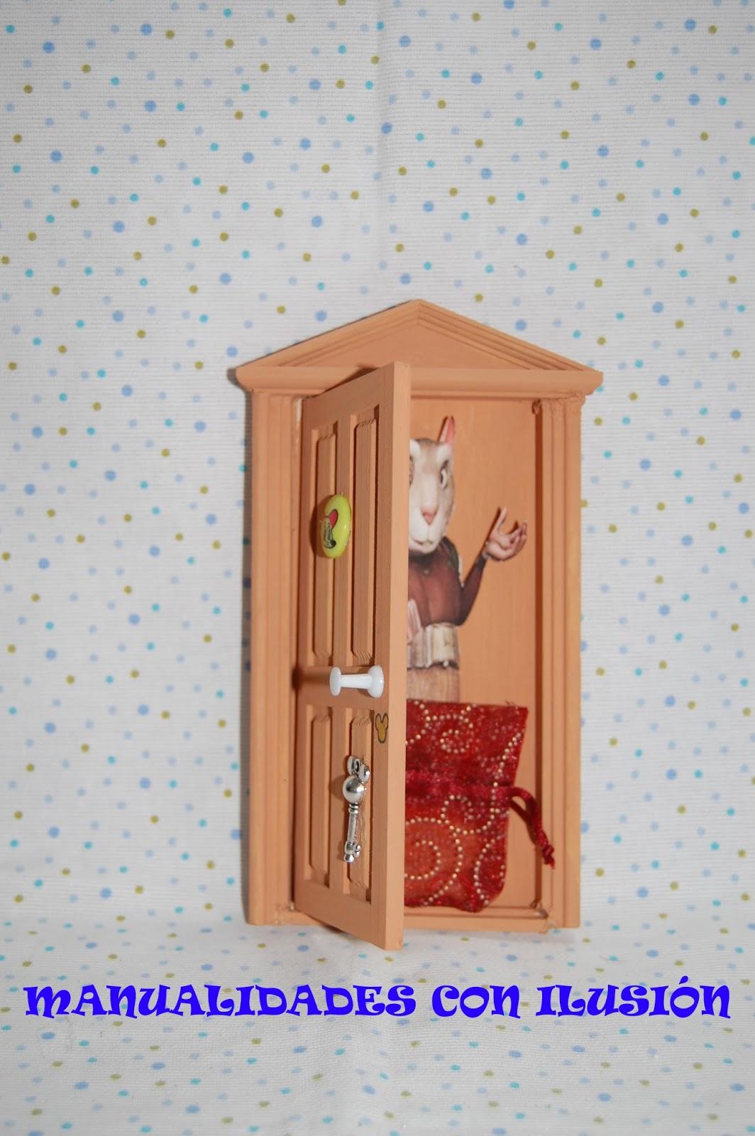 Manualidades con ilusion puerta ratoncito p rez for Puerta raton perez