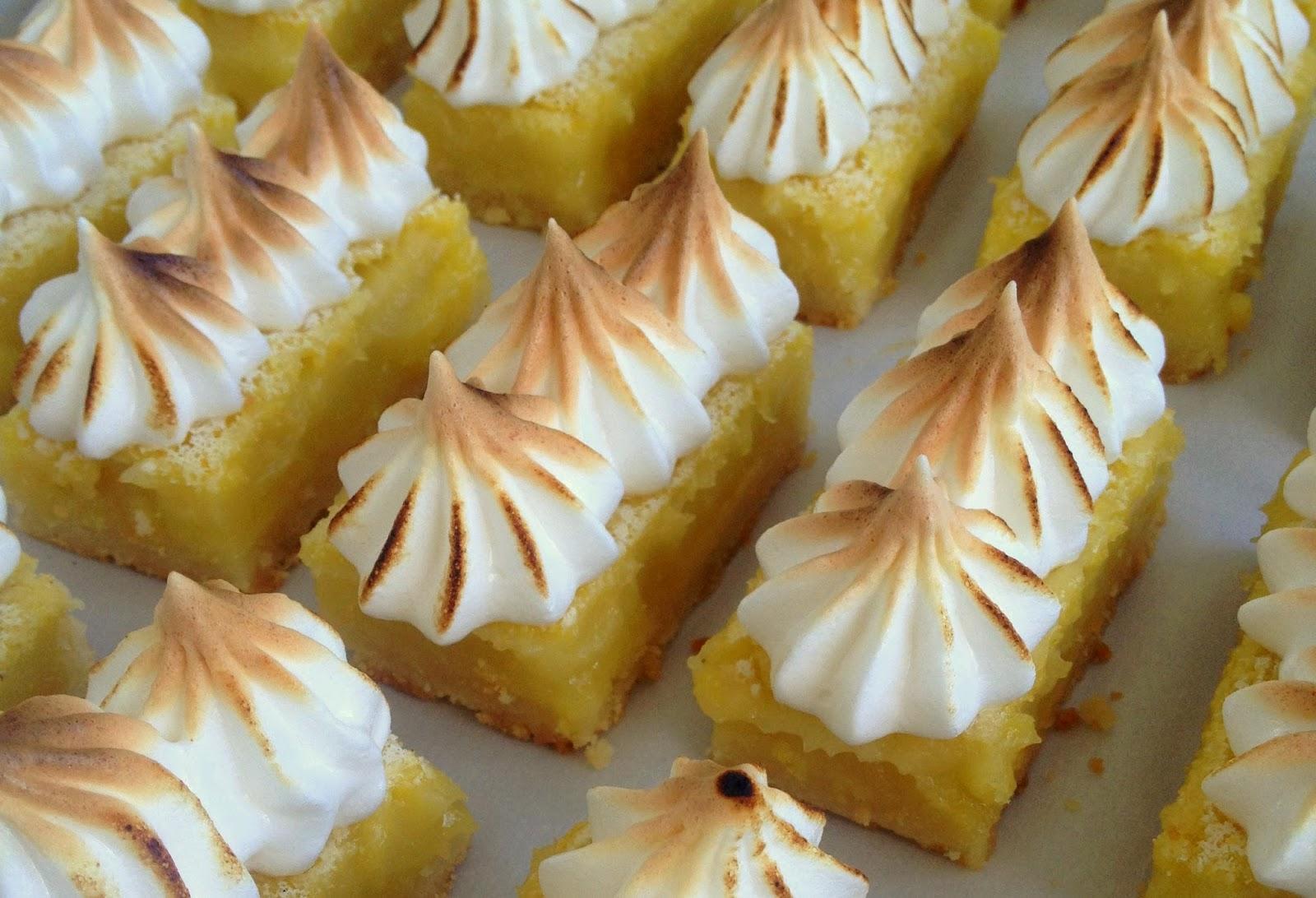Jennuine by Rook No. 17*: Recipe: Lemon Meringue Pie Bars