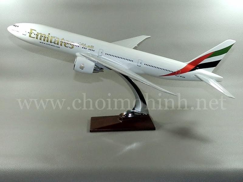 Mô hình máy bay dân dụng Emirates Airlines Boeing 777