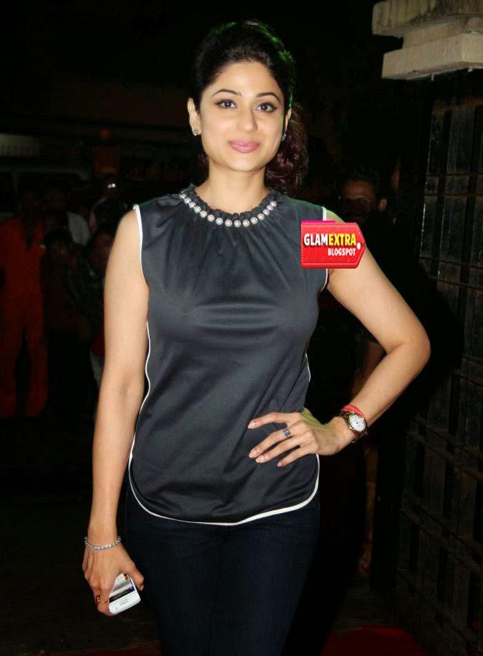 ... Shetty Caught Without Bra - Shamita Wardrobe Malfunction « glamextra