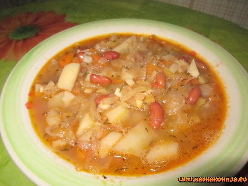 Суп из квашеной капусты с фасолью с фото