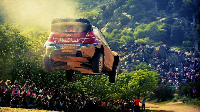 Ford Fiesta Wrc Airborne HD Wallpaper