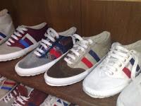 zapatillas-hombre-para-pantalones-cortos-o-bermudas