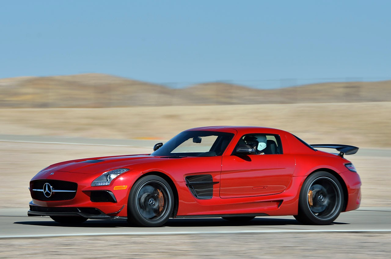 automotiveblogz 2014 mercedes benz sls amg black series track test photos. Black Bedroom Furniture Sets. Home Design Ideas