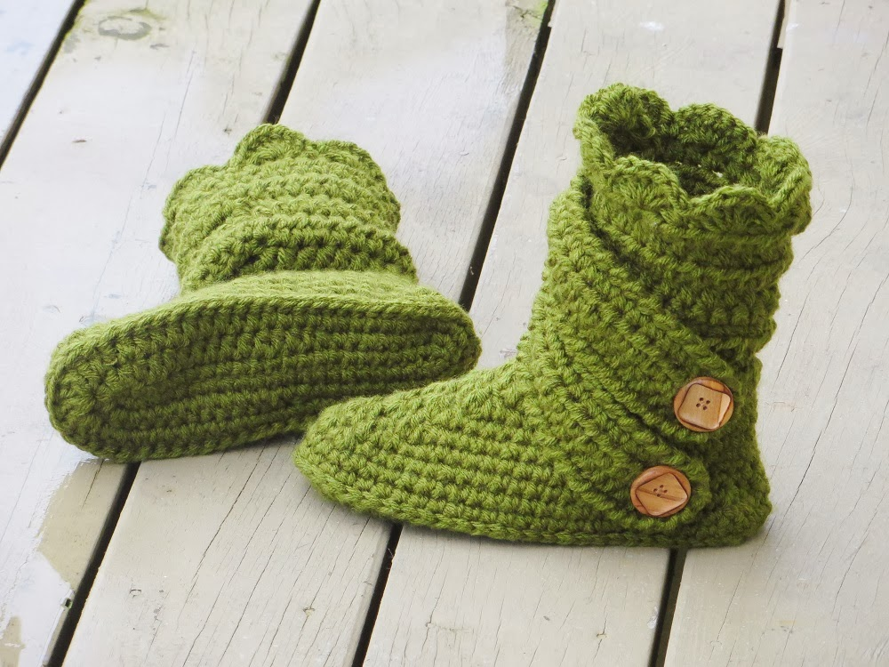 Crochet Dreamz: Womans Slipper Boots Crochet Pattern, Classic Snow ...