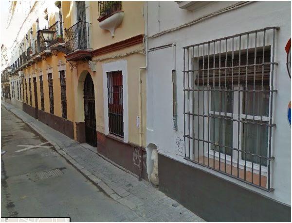 Calle hombre de piedra - Sevilla