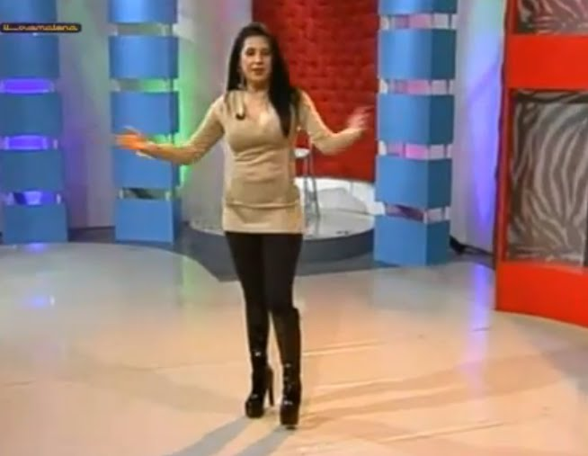 Women Blog Mexican Tv Hostess Anayanssi Moreno Makes Her