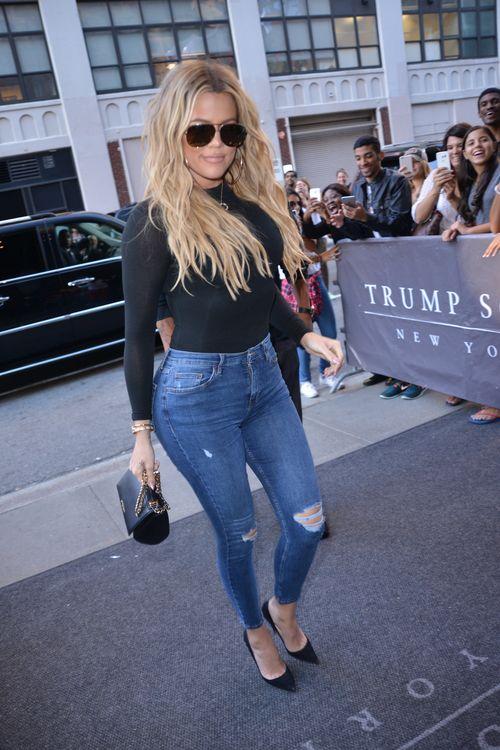 Super hot in Jeans: Khloe Kardashian displays toned curves