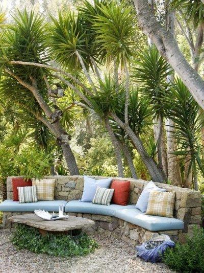 Dos bancos para exterior oasisingular for Bancos exteriores jardin