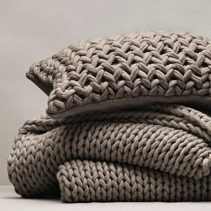 almohadones y manta de crochet y punto diy