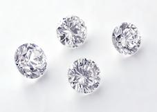 古い指輪から外したダイヤモンド4石の写真