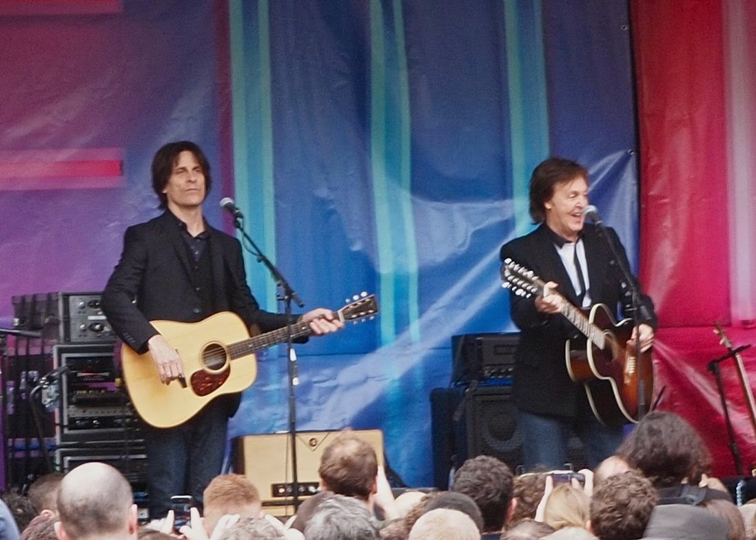 Sir Paul McCartney plays a free gig in London  to publicise his latest record