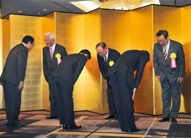 Hukum Hormat Membungkuk ala Jepang