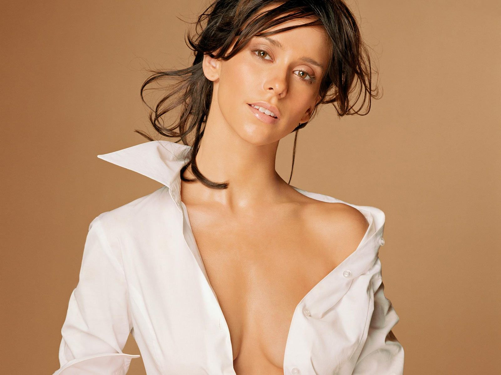 Jennifer love hewitt the client list i039m a woman