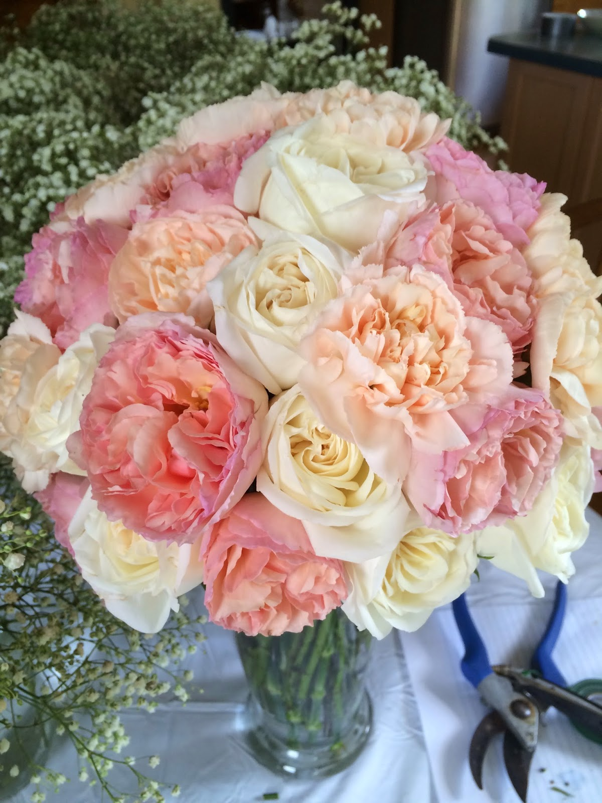 wedding, diy, bridal bouquet, garden roses, peach, coral, ivory