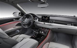 2013 Audi S8 Sedan