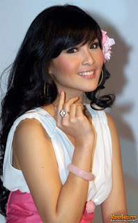 foto Sandra Dewi