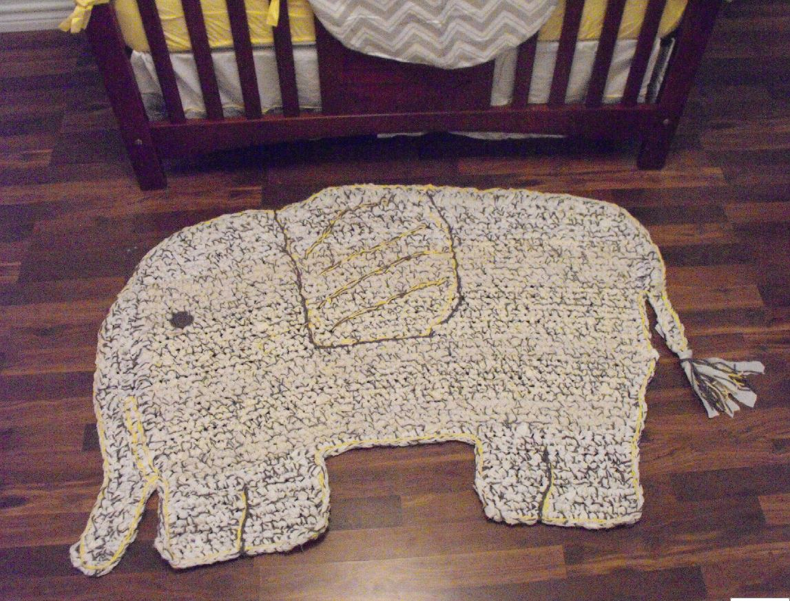 Crochet Elephant Rug : Corn in My Coffee Pot: :: Peanuts Room and What Oma Made::