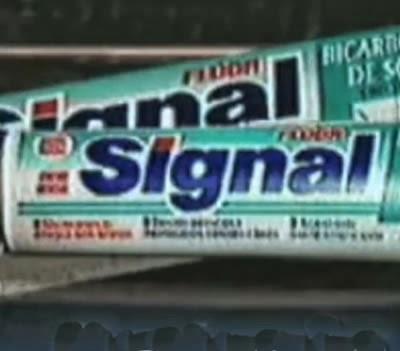 Propaganda do Creme Dental Signal nos anos 90.