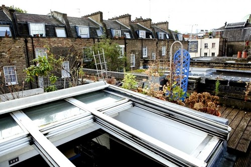 05-1st-Floor-Studio-Mews-Apartment-Camden-London-UK-Skylight-Roof-Terrace-Garden