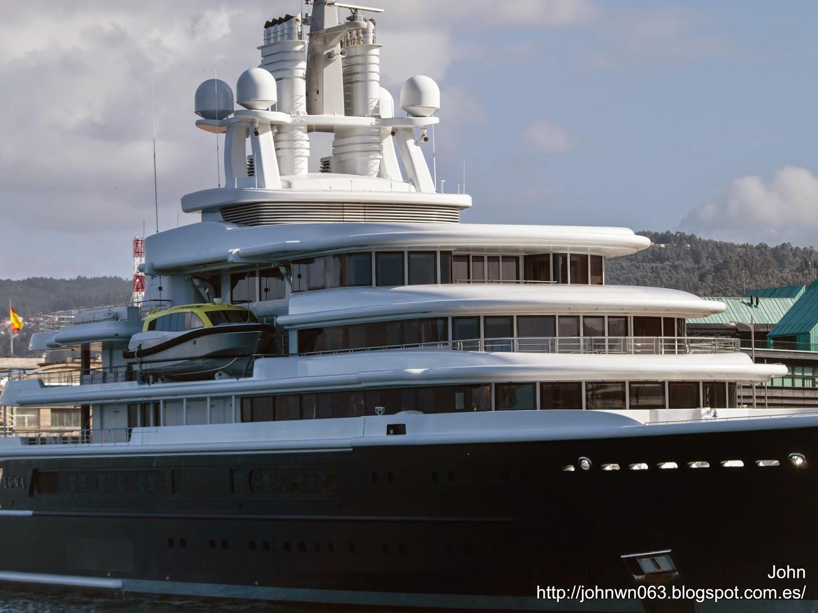 fotos de barcos, imagenes de barcos, megayate, luna, celebrity eclipse, vigo