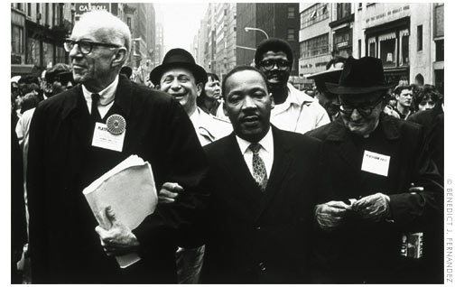 malcolm x vs dr king passive His contemporary, malcolm x, died three years before king, also at the age of 39, but they don't just share the age they died the haunting story behind this picture of malcolm x and martin luther king | indy100.