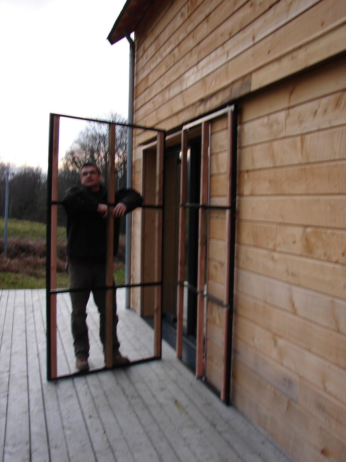 habitat bois volets battants coulissants en bois. Black Bedroom Furniture Sets. Home Design Ideas
