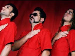 Retrofoguetes - Mais um trio instrumental brasileiro quebrando clichês do gênero
