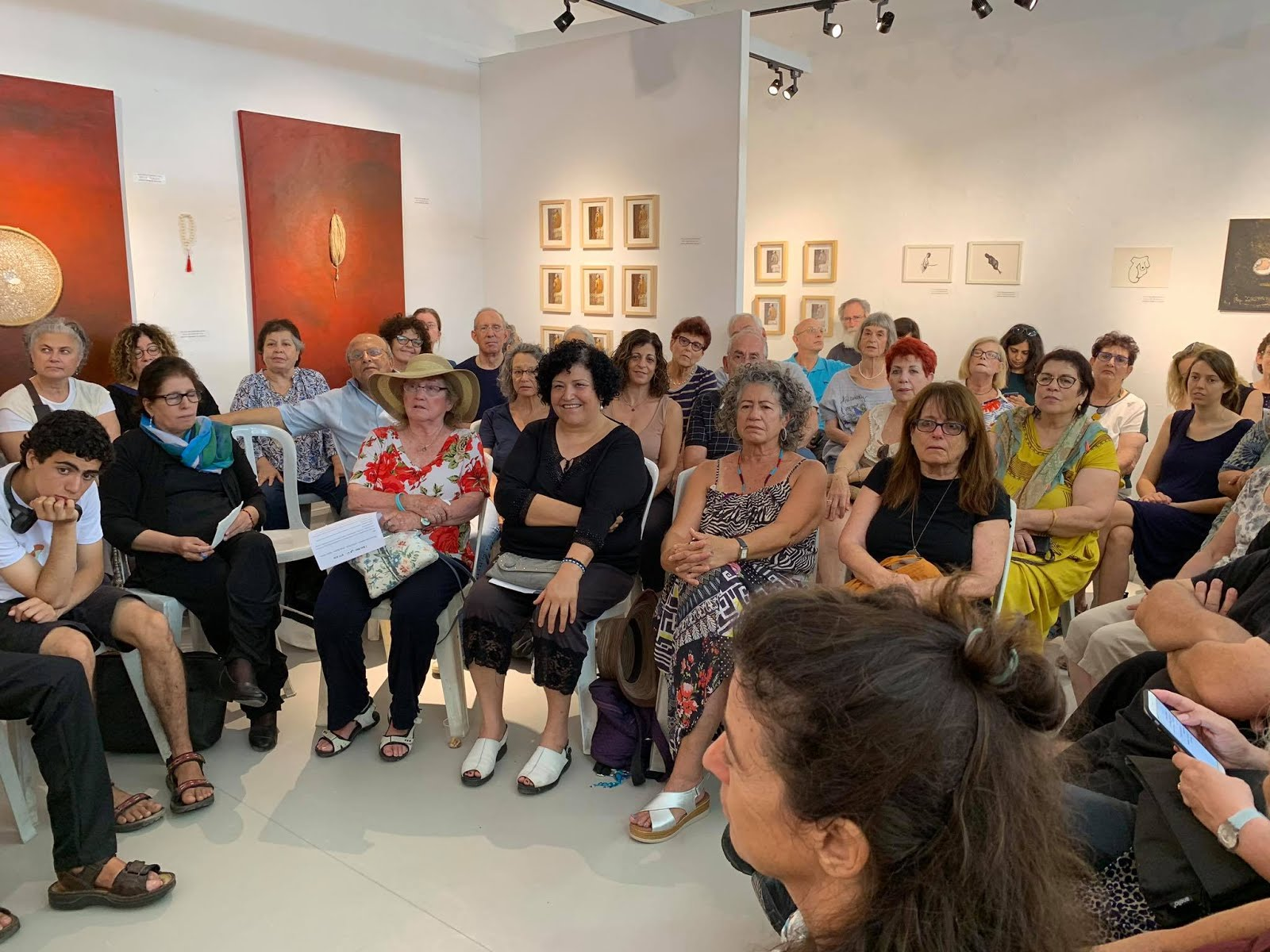 הדרכות וסיורים בגלריה למבוגרים