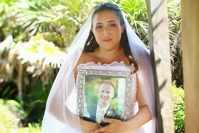 25 Photos Of People Who Will Inspire You - Fifty-two days before a wedding, most brides are finalizing or working out plans. 52 days before Janine's wedding, she faced an unbelievable tragedy: her fiance, John, passed away.
