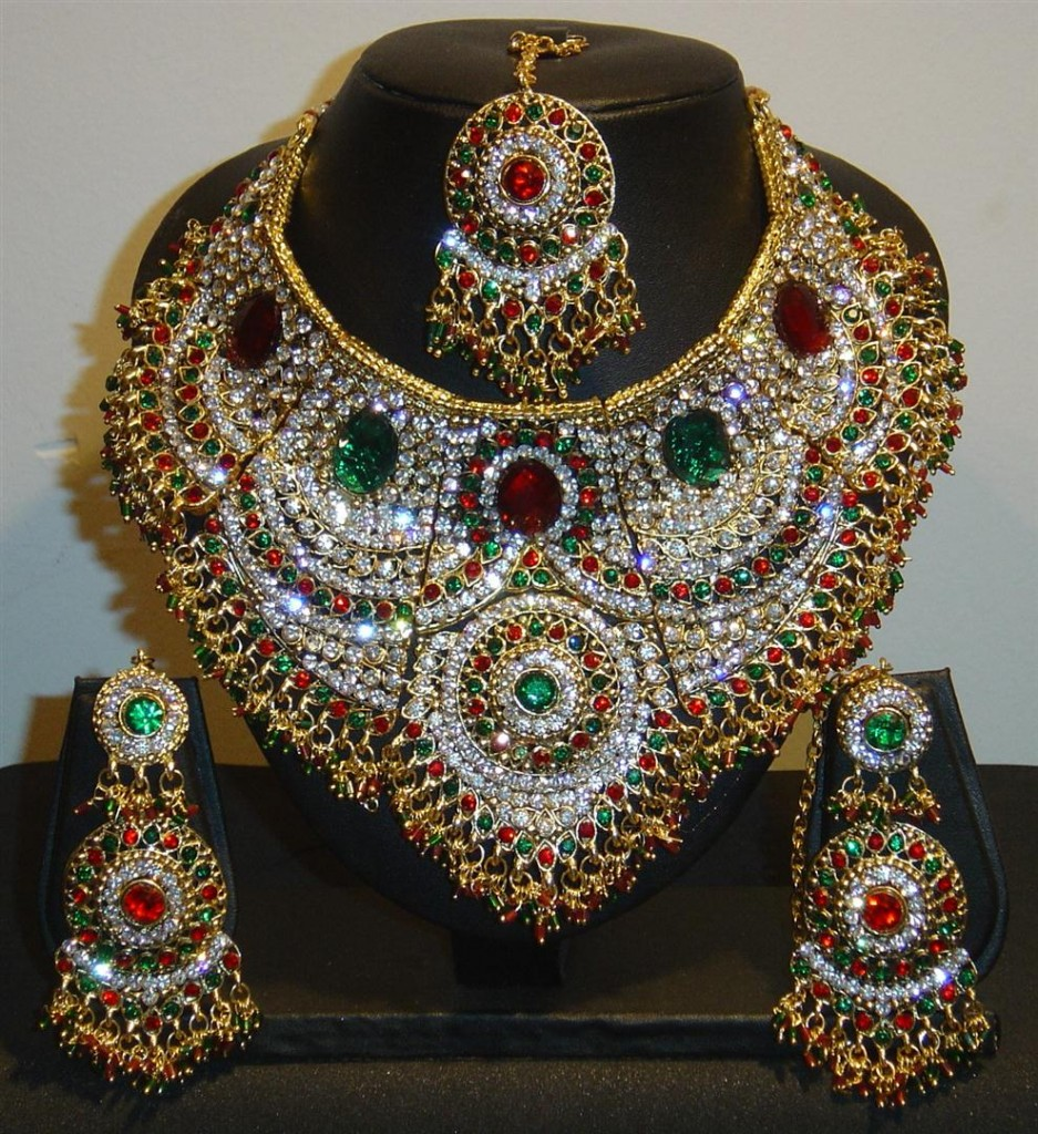 Indian beautiful jewelry pictures fashionate trends for East indian jewelry online