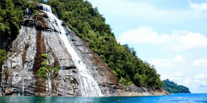 5 Air Terjun Yang Paling Luar Biasa Indah Di Indonesia