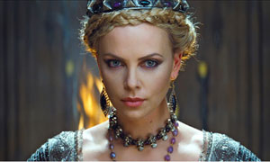 Charlize Theron en Blancanieves y la leyenda del cazador