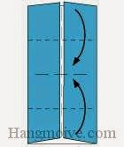 Bước 3: Gấp hai cạnh trên, dưới tờ giấy vào trong