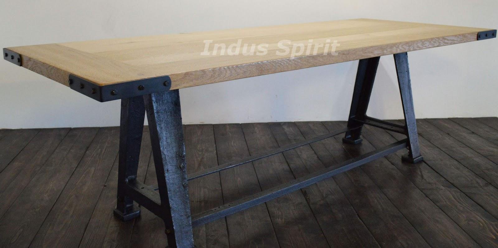 table style industriel. Black Bedroom Furniture Sets. Home Design Ideas