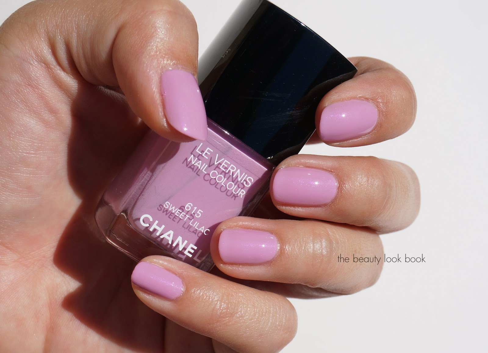 Chanel Sweet Lilac 615 Le Vernis | The Beauty Look Book