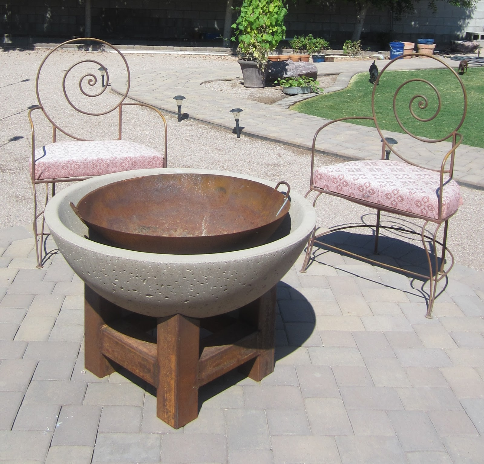 Ink rust and sawdust diy fire pit for How to make a pallet fire pit table