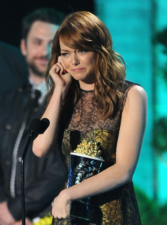 award winner emma stone crying