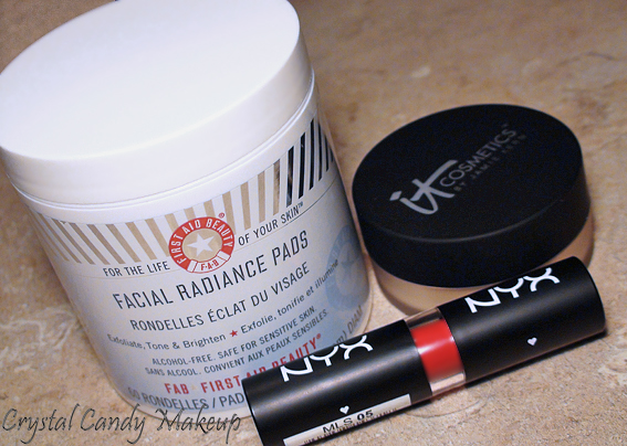 Commande eBeauty.ca - It Cosmetics Airbrush Illuminizer, NYX Indie Flick lipstick, First Aid Beauty Facial Radiance Pads