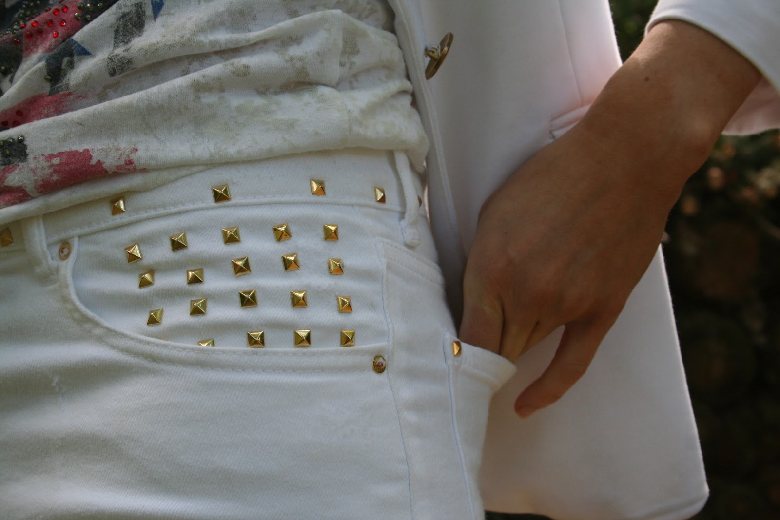 http://2.bp.blogspot.com/-FfP4ijZ86DU/T_h6rO_zz7I/AAAAAAAAAHw/7zTrjKy-Qi8/s1600/blog0707121+008.JPG