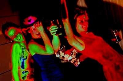 Las discotecas: refugios de Satanás Discotecas-bailando