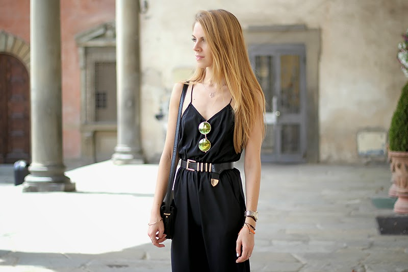 black midi dress, roung mirror sunglasses, fashion blogger, summer outfit