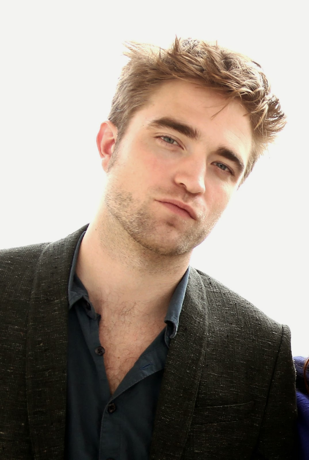http://www.pattinson-art-work.com/2012/11/shooting-2012-breaking-dawn-part-2-la.html