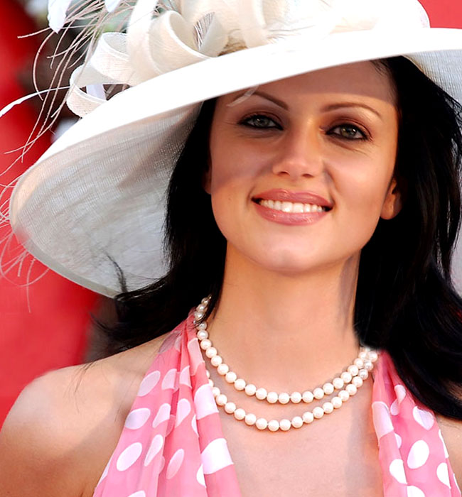 "New Delhi, Feb 16 (IANS) ""Babuji"" girl Yana Gupta fractured her nose while"