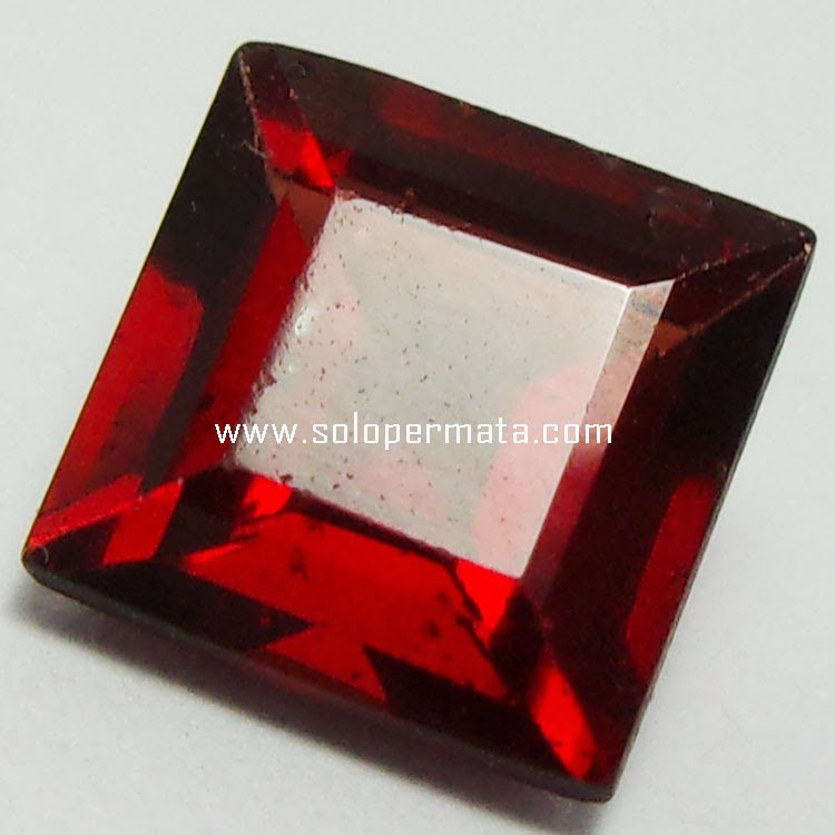 Batu Permata Red garnet - 23A04