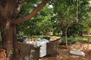 Déjeuner en paix champêtre dans les jardins des Deux Tours à Marrakech