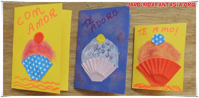 Cartão Criativo com Forminhas de Doces
