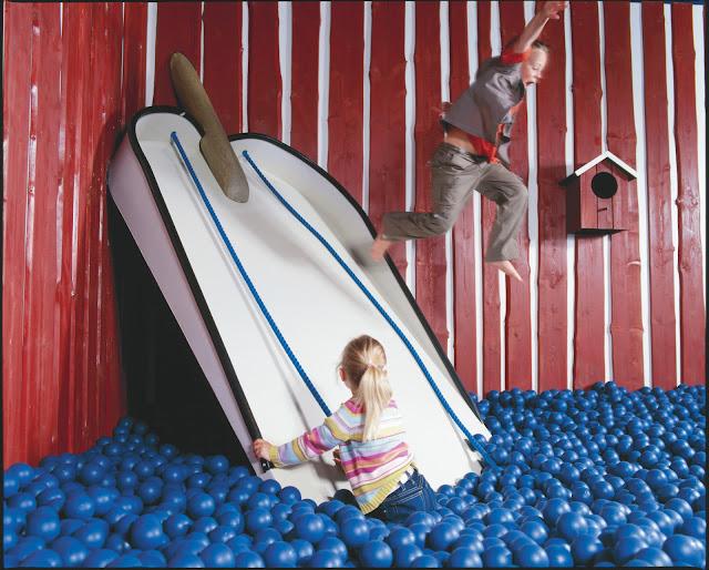 En Ikea se puede jugar una hora gratis en una sala llena de juegos ...