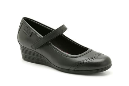 bf9bd2d898243f Honest Mummy Reviews   Back to school with Clarks shoes