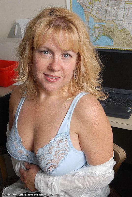Смотреть онлайн зрелые порно 12 фотография